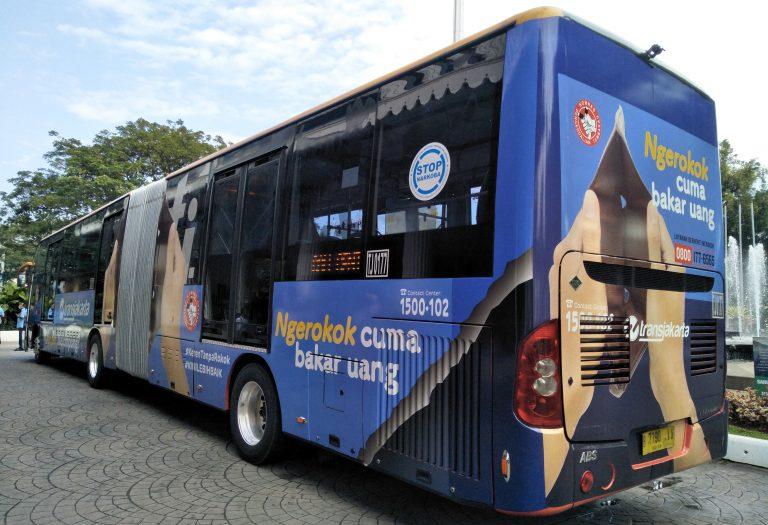 DKI Kampanye Anti Rokok di Bus Transjakarta