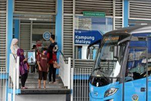 Konsisten Peduli Pengendalian Tembakau, Trans Jakarta Terima Penghargaan