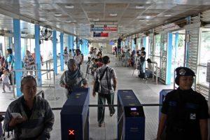 Ngerokok Cuma Bakar Uang Ini Transjakarta Yang Bilang