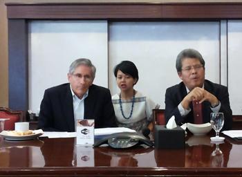 Pengendalian Tembakau Kemenangan Uruguay Jadi Ancaman bagi Indonesia