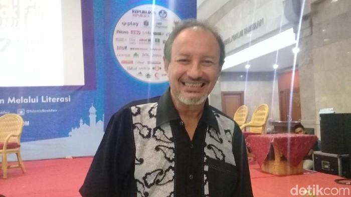 Fuad Baradja, Dari Aktor Jadi Terapis 'Tobat' Rokok