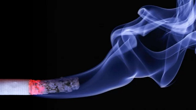 Gara-gara Ayah Merokok, Ibu dan Anak Jadi Thirdhand Smoker
